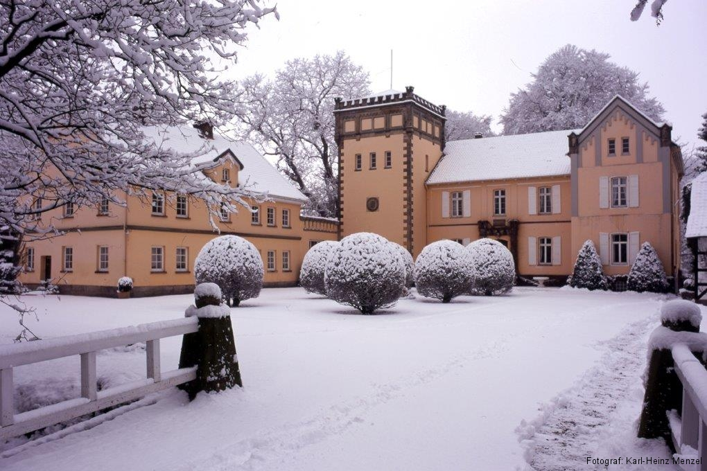 Schloss Meysenbug in Lauenau im Winter